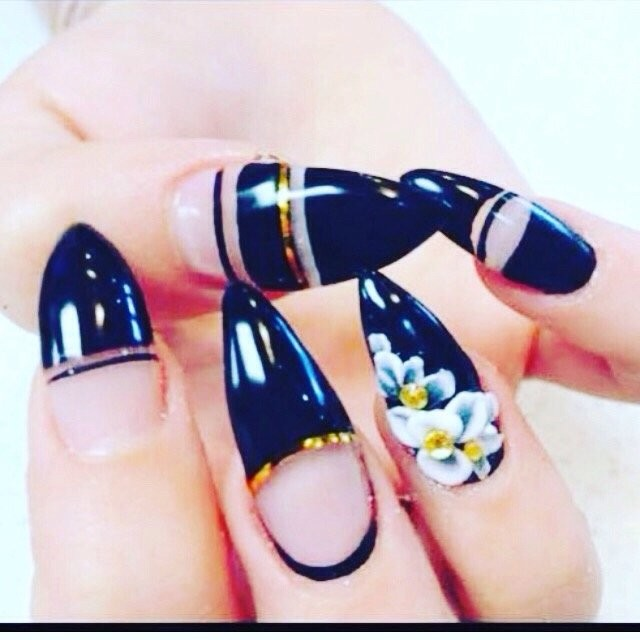 L V Nails & Spa, Nail Care in Fairview-Mississauga Valley - Parkbench