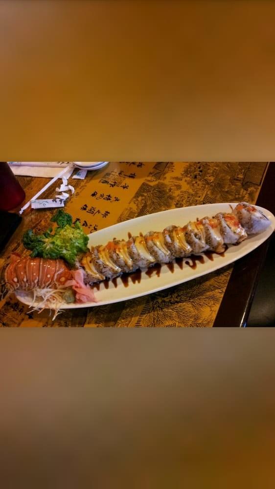 Blue Fin Sushi & Thai Grill