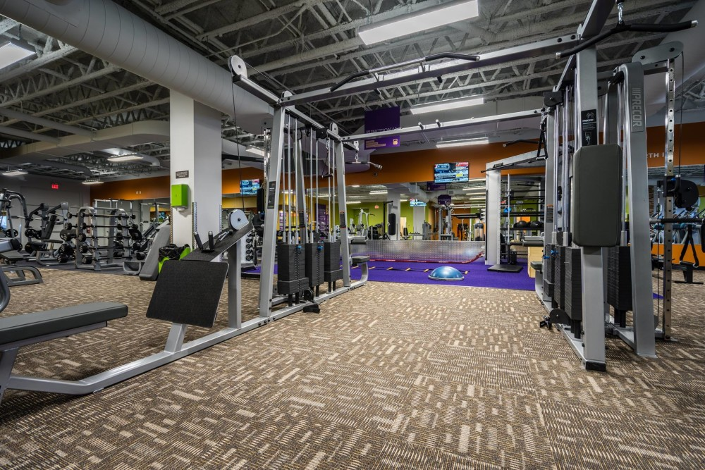 Anytime Fitness At Yonge Elgin Mills Meet The Owner Operations Managers Maz Alinejad Parkbench