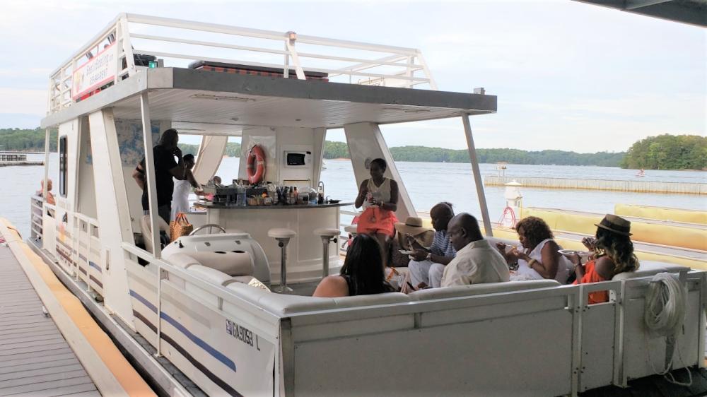 Linen Yacht Boat Party at Lake Lanier! (Boat Tour, Food ... Lake Lanier Party