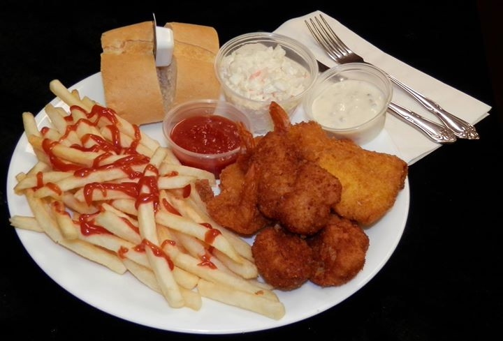 Friday fish fry featuring our combo of scallops shrimp for Filet o fish friday 2017