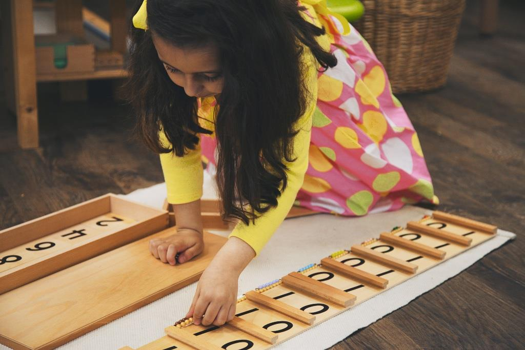 how does montessori describe education Dr maria montessori dedicated and committed her life into education of the children she has witnessed through some years with wars and conflicts and dr maria montessori believed in a natural process of education there was a teacher oriented system in place and she did not believe this was.