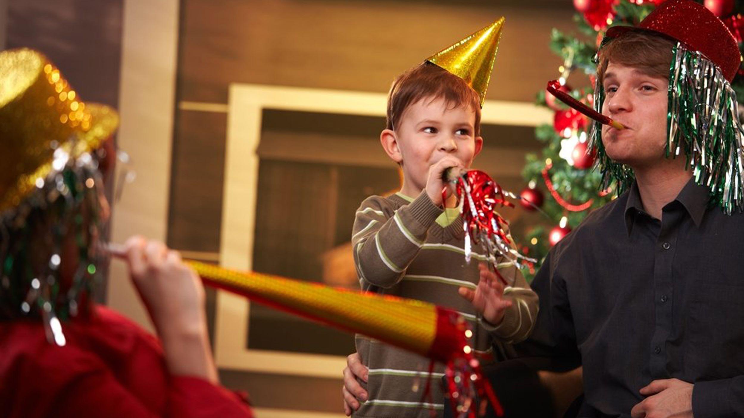 какие можно внести традиции в семье на празднования новейший год