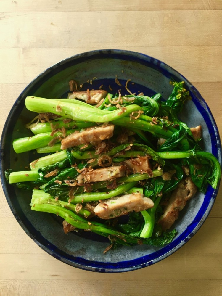 Quick cook stir fried choy sum with chinese fish cake for Chinese fish cake