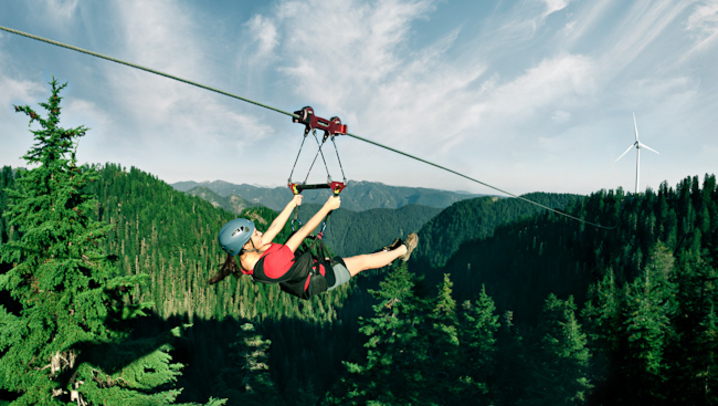 Ziplining On Grouse Mountain Is Another Activity That Quickly Gaining In Popularity Zip Across The Peaks Of And Dam