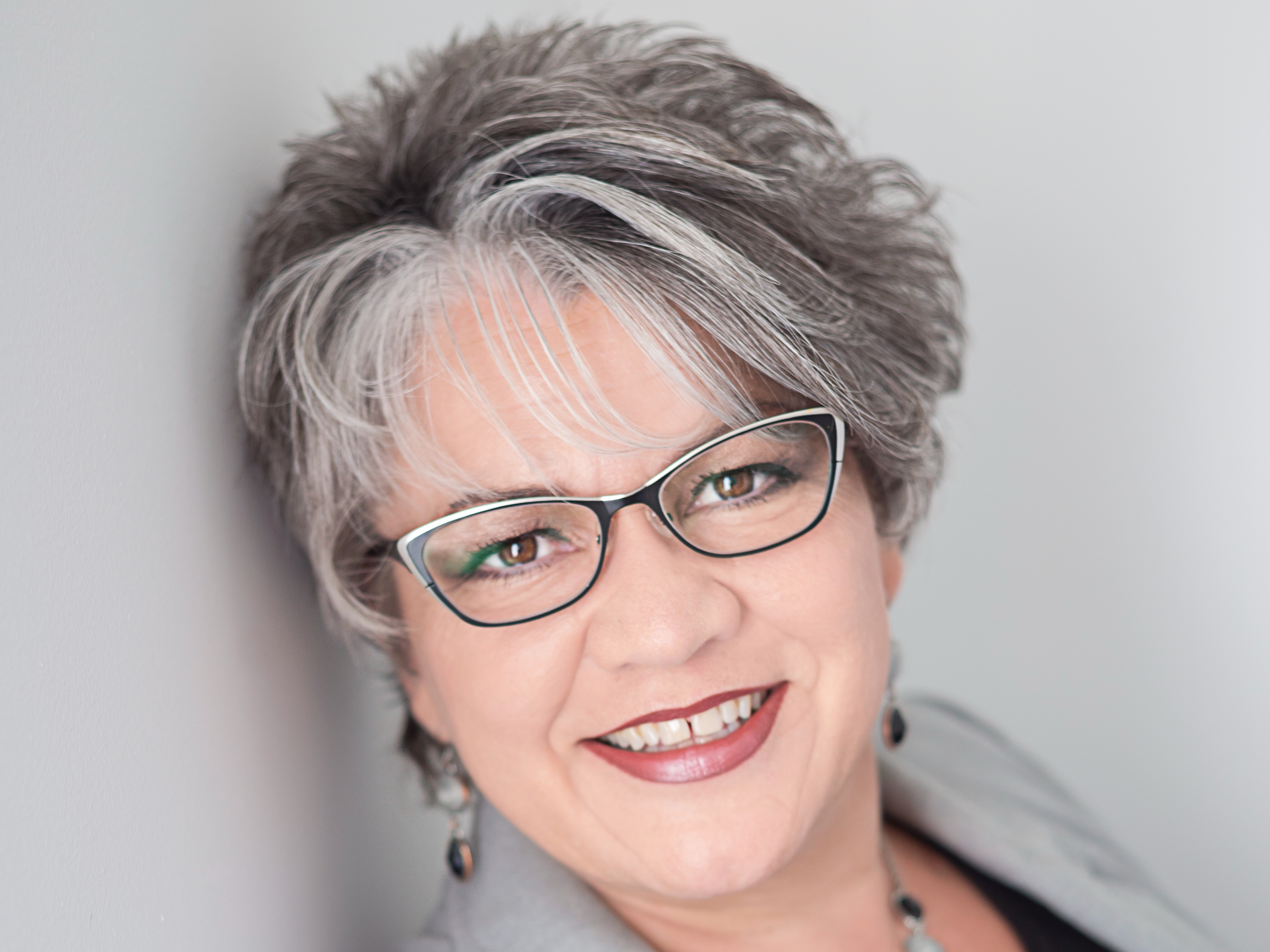 Interview with Tina Plett, your local REALTOR® for Grunthal.